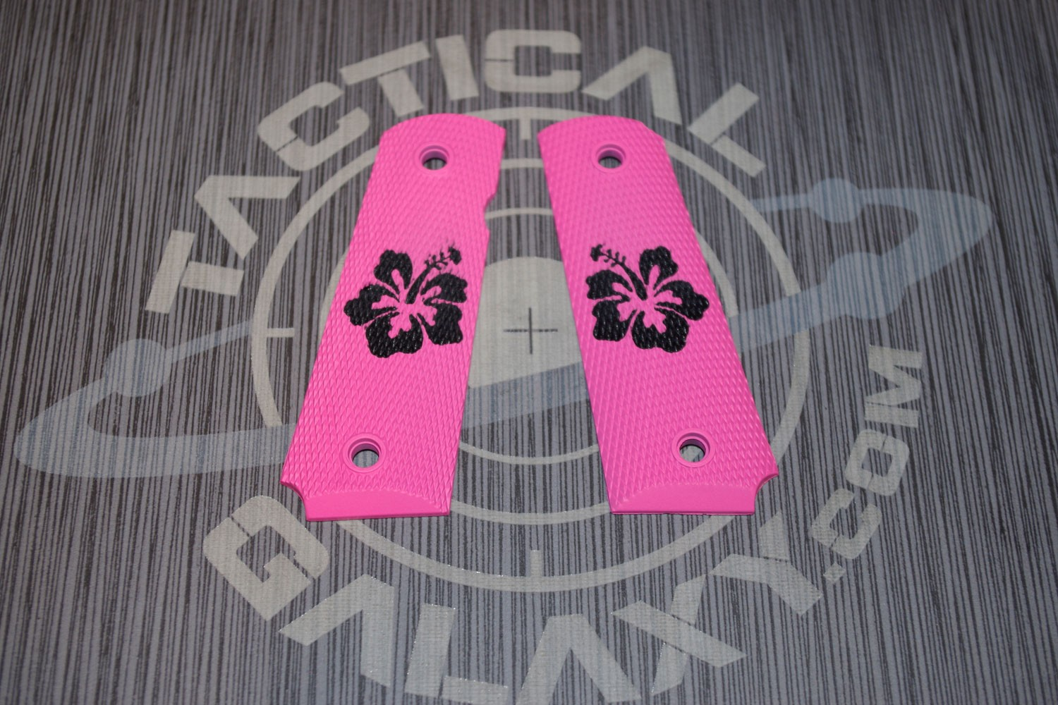 1911 FULL AND MIDSIZE GRIPS HIBISCUS FLOWER ON PINK GRIP