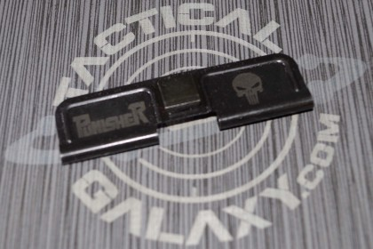 AR-15 PUNISHER SKULL Ejection Port Dust Cover
