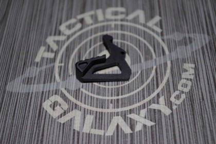 AR15 Extended Charging Handle Latch