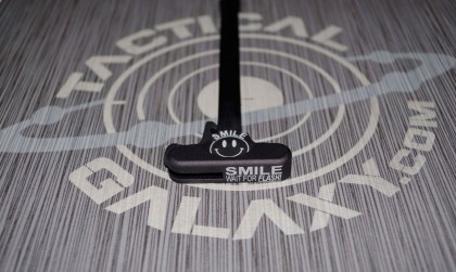 AR-15 SMILE wait for flash charging handle